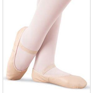 Capezio | Light Pink Ballet Shoes Size 7.5